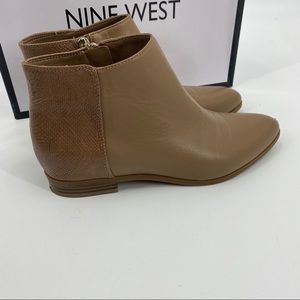 Oroyao Tan Leather Ankle Bootie
